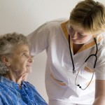 L'importance d'un auxiliaire de vie pour une personne atteinte d'Alzheimer